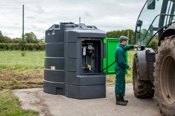 agri-tank-tractor-farmer